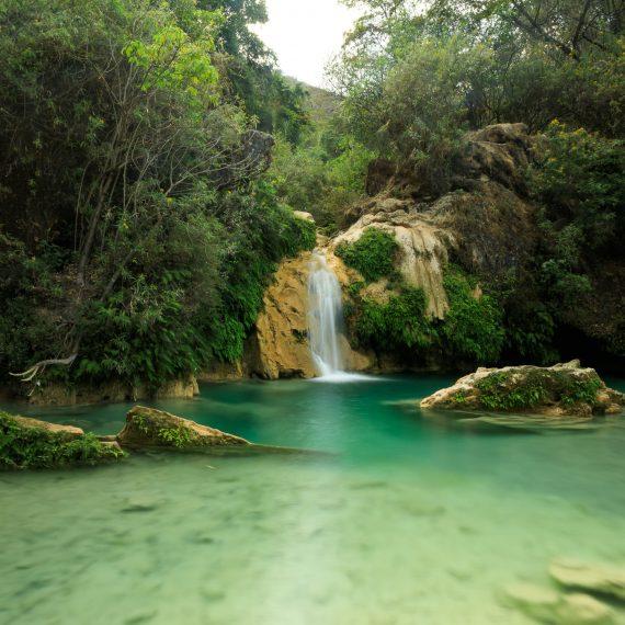 Cascadas cerca de Grutas de Cacahuamilpa