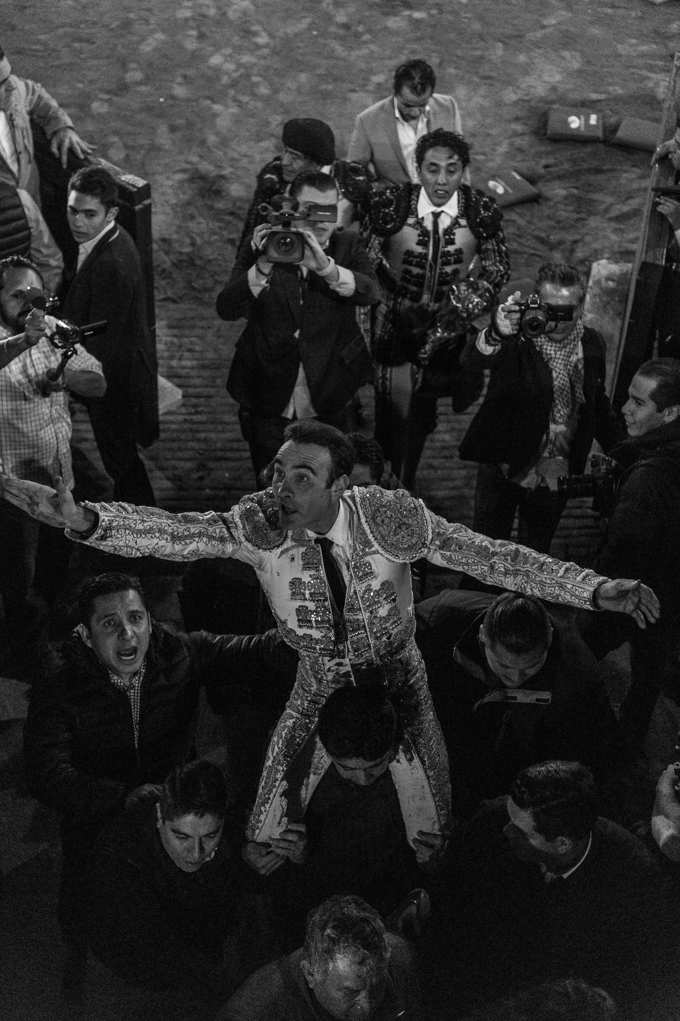 Tarde Triunfal, Enrique Ponce en la México