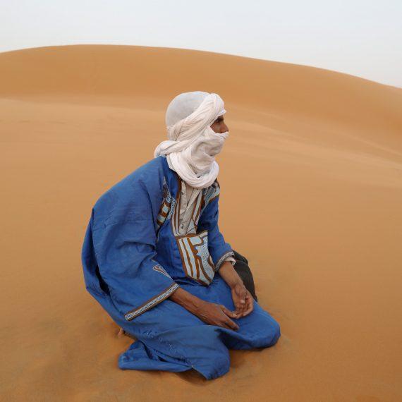 Vendedor del Desierto Erg Chebbi, Marruecos